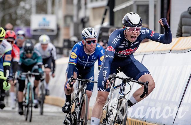 Jasper Philipsen (BEL/Alpecin-Fenix) wins the bunchsprint into Schoten ahead of Sam Bennett (IRE/Deceuninck - Quick Step) & Mark Cavendish (GBR/Deceuninck - Quick Step)<br /> <br /> 109th Scheldeprijs 2021 (ME/1.Pro)<br /> 1 day race from Terneuzen (NED) to Schoten (BEL): 194km<br /> <br /> ©kramon