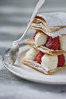 Mille-Feuille aux fraises - recette de Christian Constant  EXCLU: EDITION LIVRE CUISINE DU SUD-OUEST