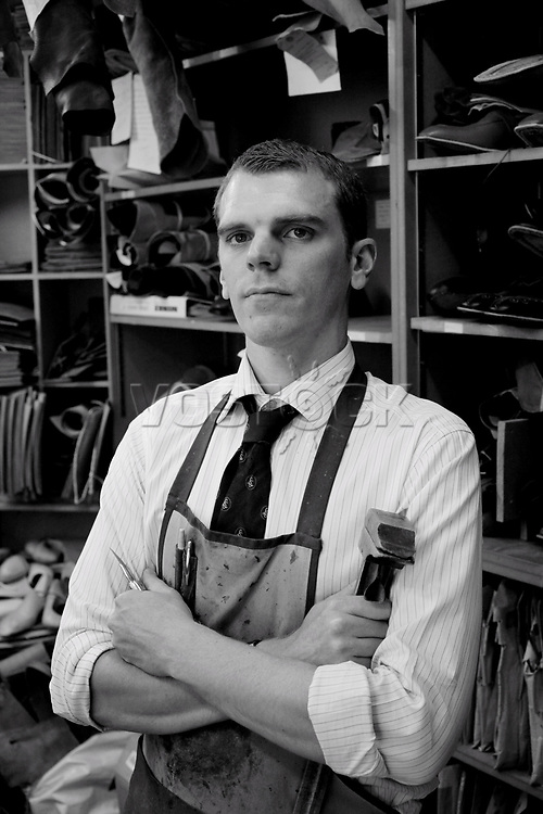 Adam Law<br /> Schuhe von George Cleverley <br /> <br /> Engl.: Europe, England, Great Britain, London, shoes handmade by George Cleverly, handicraft, tradition, shoemaker, employee Adam Law, June 2013
