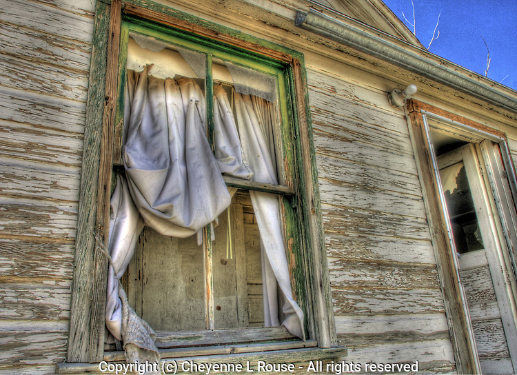 Abandoned old house on the historic Pony Express Trail in western Utah.