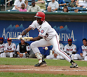 August 31, 2003:  Felix Pie of the Lansing Lugnuts, Class-A affiliate of the Chicago Cubs, during a Midwest League game at Oldsmobile Park in Lansing, MI.  Photo by:  Mike Janes/Four Seam Images