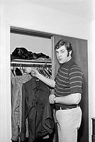 Le hockeyeur Dave Shultz<br /> , le 18 mars 1971<br /> <br /> Photographe : Photo Moderne- Agence Quebec Presse