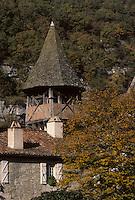 Europe/France/Midi-Pyrénées/46/Lot/Vallée du Célé/Espagnac-Sainte-Eulalie: Le village - Clocher de l'église