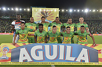 BOGOTA - COLOMBIA, 29-05-2018: Jugadores del Huila posan para una foto previo al partido de ida entre Atlético Huila y Atlético Nacional por la semifinal de la Liga Águila I 2018 jugado en el estadio Nemesio Camacho El Campin en la ciudad de Bogotá. / Players of Huila pose to a photo prior the first leg match between Atletico Huila and Atletico Nacional for the semifinal of the Aguila League I 2018 played at Nemesio Camacho El Campin in Bogota city. VizzorImage/ Gabriel Aponte / Staff