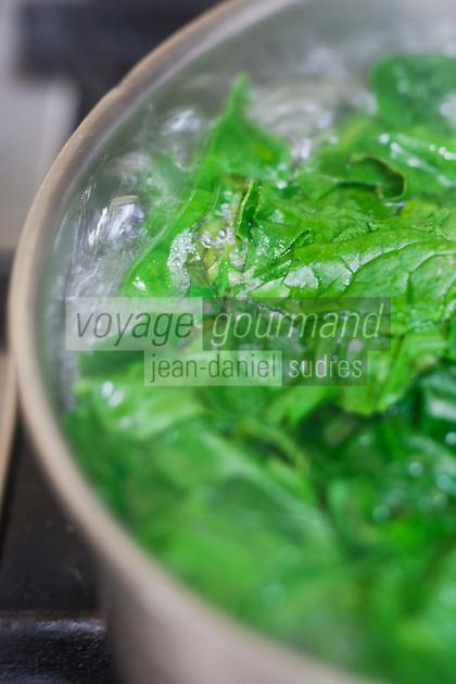 Europe/France/Bretagne/22/Côtes d'Armor/Saint-Brieuc: Jean-Marie Baudic en cuisine dans son restaurant: Youpala Bistrot,