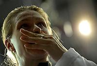 European Championships Fencing 2010 / Fecht Europameisterschaft 2010 in Leipzig - Competition Championat d'europe - im Bild: Degen Olympiasiegerin Britta Heidemann (GER) enntäuscht nach ihrem Ausscheiden gegen ihre Mannschaftskollegin Imke Duplitzer  - Damen Degen . Foto: Norman Rembarz..Norman Rembarz , Autorennummer 41043728 , Augustenstr. 2, 04317 Leipzig, Tel.: 01794887569, Hypovereinsbank: BLZ: 86020086, KN: 357889472, St.Nr.: 231/261/06432 - Jegliche kommerzielle Nutzung ist honorar- und mehrwertsteuerpflichtig! Persönlichkeitsrechte sind zu wahren. Es wird keine Haftung übernommen bei Verletzung von Rechten Dritter. Autoren-Nennung gem. §13 UrhGes. wird verlangt. Weitergabe an Dritte nur nach  vorheriger Absprache..