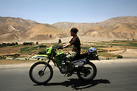 day 2, jeremy the cruizer. had the least accidents on the trip. What do war correspondences do on the holidays. 4 Kabul based journalists were the first westerners to ride motorcycles into the Wakhan corridor.the 12 day trip was full with dramas, breakdowns, arrests, crashes, yak riding and many miles. over 1200 kms they travelled and reached their desired destination of surhad e brogil deep in the wakhan corridor. location of the great game and once named the roof of the world.