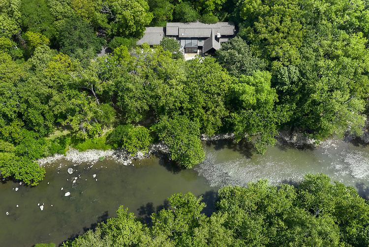 Riverside Private Residence | Jonathan Barnes Architecture + Design