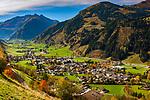 Oesterreich, Salzburger Land, Pinzgau, Raurisertal, Rauris: Hauptort des Raurisertals und Nationalparkgemeinde Hohe Tauern vor dem Gipfel Edlenkopf (2.923 m) | Austria, Salzburger Land, region Pinzgau, Rauris Valley, Rauris: resort in the heart of the Nationalpark Hohe Tauern