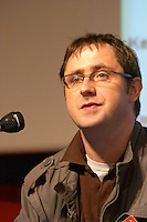 Fergus Burns, CEO of Nooked, at the Les Blog conference in Paris December 2005 on blogging, new media and internet strategy