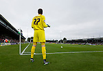 Yeovil Town 0 QPR 1, 21/09/2013. Championship, Huish Park. Yeovil goalkeeper Wayne Hennessey prepares to take a free kick by the corner flag. Photo by Paul Thompson