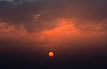 Italie. Italia. Sardaigne. Sardinia.Lever de soleil sur la côte est