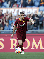 Football, Serie A: AS Roma - Cagliari, Olympic stadium, Rome, April 27, 2019. <br /> Roma's Edin Dzeko in action during the Italian Serie A football match between AS Roma and Cagliari, on April 27, 2019. <br /> UPDATE IMAGES PRESS/Isabella Bonotto