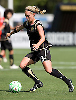 26 April 2009: Kristen Graczyk of the FC Gold Pride in action during the game against Washington Freedom at Buck Shaw Stadium in Santa Clara, California.   Washington Freedom defeated FC Gold Pride, 4-3.