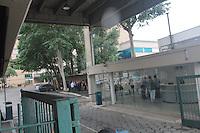 SÃO PAULO,SP, 23.11.2015 - AMEAÇA-BOMBA - Ameaça de bomba no Jornal O Estado de São Paulo na bairro do Limão região norte da cidade na tarde desta segunda-feira, 23. A polícia esvaziou o prédio para que buscas fossem feitas no local. (Foto : Marcio Ribeiro / Brazil Photo Press)