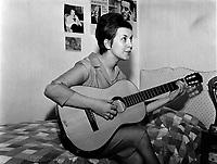 1963 03 30 ENT - LECLERC_Valerie - 4x5