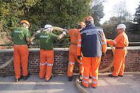 - Monza, esercitazione della Protezione Civile per l'ipotesi di una esondazione del fiume Lambro<br /> <br /> - Monza, exercise of Civil Protection for the hypothesis of a flooding of the river Lambro