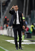Calcio, Serie A: Juventus vs Lazio. Torino, Juventus Stadium, 20 aprile 2016.<br /> Juventus coach Massimiliano Allegri gives indications to his players during the Italian Serie A football match between Juventus and Lazio at Turin's Juventus Stadium, 20 April 2016.<br /> UPDATE IMAGES PRESS/Isabella Bonotto