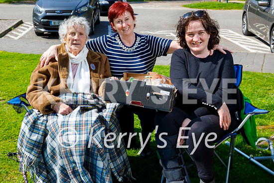 Enjoying a picnic at Muckross House in Killarney on Thursday, l to r: Peggy Walsh, Mary Tagney and Breda Casey all from Beaufort.