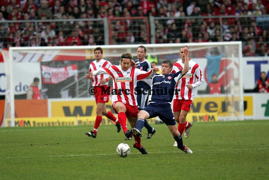 Fabian Gerber (FSV Mainz 05) setzt sich gegen Vratislav Gresko (1. FC N¸rnberg) durch
