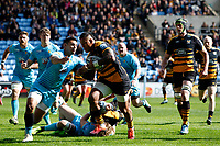 Photo: Richard Lane/Richard Lane Photography. Wasps v Worcester Warriors. Gallagher Premiership. 06/04/2019. Wasps' Nathan Hughes breaks for a try.