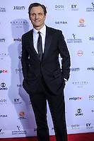 NEW YORK, NY 21.11.2016 - EMMY-2016 - Tony Goldwyn durante tapete vermelho do Emmy Internacional 2016 prêmio dos melhores atores e novelas da TV, em Nova York, nos Estados Unidos na noite desta segunda-feira, 21. (Foto: Vanessa Carvalho/Brazil Photo Press)