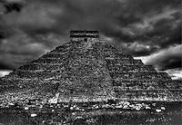 El Castillo Chichen Itza C. 600 - 900 AD. Mexico