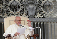 Papa Francesco tiene l'udienza generale del mercoledi' in Piazza San Pietro, Citta' del Vaticano, 7 settembre 2016.<br /> Pope Francis attends his weekly general audience in St. Peter's Square at the Vatican, 7 September 2016.<br /> UPDATE IMAGES PRESS/Isabella Bonotto<br /> <br /> STRICTLY ONLY FOR EDITORIAL USE
