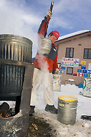 Diana Moroney Gets Hot Water for Dog Food @ Takotna Chkpt Iditarod 2005