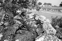 - Esercitazione NATO AMF (Allied Mobile Force) in Puglia, maggio 1993; militari dell'US Army <br /> <br /> - NATO AMF (Allied Mobile Force) exercise in Puglia, May 1993; US Army soldiers