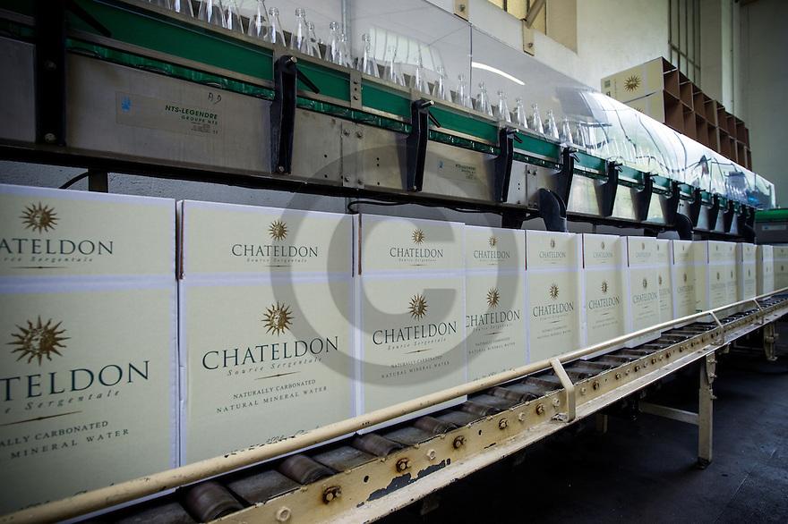 6/09/16 - CHATELDON - PUY DE DOME - FRANCE - Usine d embouteillage des eaux de Chateldon - Photo Jerome CHABANNE