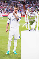 Real Madrid's player Sergio Ramos with the Europe Supercup during the XXXVII Santiago Bernabeu Trophy in Madrid. August 16, Spain. 2016. (ALTERPHOTOS/BorjaB.Hojas) /NORTEPHOTO