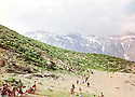 Iraq 1988.A group of PUK's peshmergas ( Tip 55 of Qara Dag) arriving near mount Kuna Koter in Qandil region..Iraq 1988.Un groupe de peshmergas de l'UPK  ( Tip 55 de Qara Dag ) arrivant dans la region de Qandil pres du mont Kuna Koter