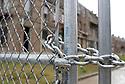 St. Bernard Housing Development remains shuttered in New Orleans, Thurs., Dec. 21, 2006.<br />(Cheryl Gerber for New York Times)