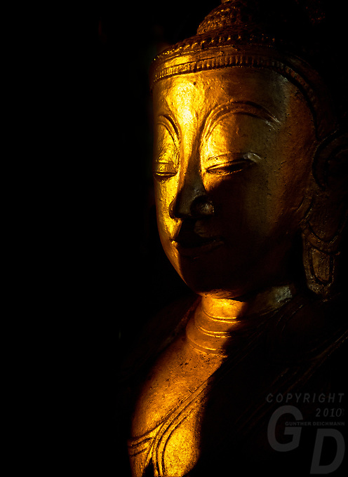 Pindaya Caves in the Shan State contain more them 8000 Buddha relics