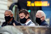 Actor Tom Cruise wearing a face mask on the set of the film Mission Impossible 7 shot in Via Nazionale.<br /> Rome (Italy), October 9th 2020<br /> Photo Samantha Zucchi Insidefoto