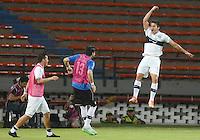 MEDELLIN - COLOMBIA-15-09-2015: Ivan Torres jugador de Olympia (PRY) celebra el segundo gol anotado a Aguilas Doradas (COL) durante partido de vuelta por la segunda fase de la Copa Sudamericana 2015 jugado en el estadio Atanasio Girardot de la ciudad de Medellín./  Ivan Torres player of Olimpia (PRY) celebrates the second goal scored to Aguilas Doradas (COL) during second leg match of the second phase of Sudamerica Cup 2015 played at Atanasio Giraardot stadium in Medellin city.  Photo:VizzorImage/ Leon Monsalve /Str