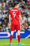 Robert Lewandowski of FC Bayern Munich looks on during their 2016-17 UEFA Champions League Quarter-finals second leg match between Real Madrid and FC Bayern Munich at the Estadio Santiago Bernabeu on 18 April 2017 in Madrid, Spain. Photo by Diego Gonzalez Souto / Power Sport Images