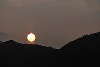 BOGOTÁ-COLOMBIA-14-01-2013. Atardecer./ Sunset.  Photo: VizzorImage/STR
