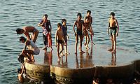 am Mir Ghat des Ganges, Varanasi (Uttar Pradesh), Indien