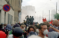 genova luglio 2001, proteste contro il g8 --- genoa july 2001, protests against g8 summit