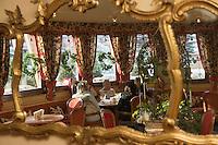 """Europe/Italie/Trentin Haut-Adige/Dolomites/Alta Badia/ Corvara:Salon de Thé Patisserie """"Tablé"""""""