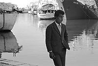 - North African immigrant in the fishing  port of Mazara del Vallo (April 1983)....- immigrato nordafricano nel porto peschereccio di Mazara del Vallo (aprile 1983)....