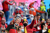 ST PETERSBURG, RUSSIA - JUNE 12 : Belgian Fans with a miniature of the atomium pictured before the 16th UEFA Euro 2020 Championship Group B match between Belgium and Russia on June 12, 2021 in St Petersburg, Russia, 12/06/2021 <br /> Photo Photonews / Panoramic / Insidefoto <br /> ITALY ONLY
