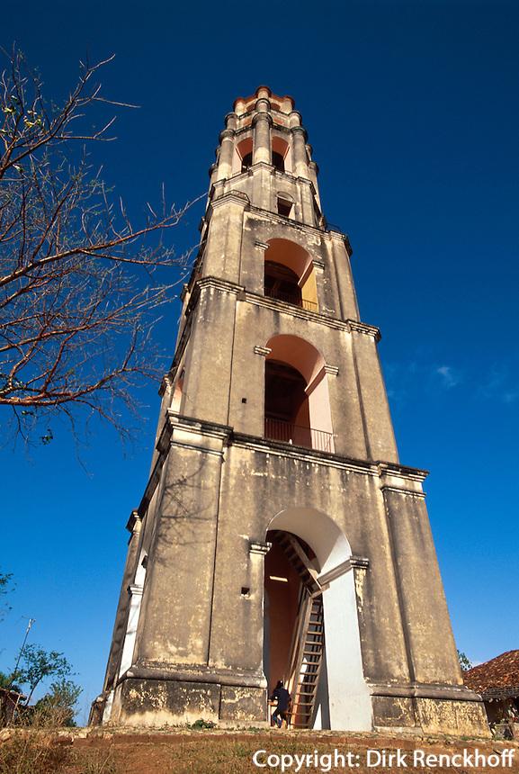 Cuba, Turm der Zuckermühle in Manaca-Iznaga bei Trinidad, Valle de los Ingenios Provinz Sancti Spiritus, Unesco-Weltkulturerbe