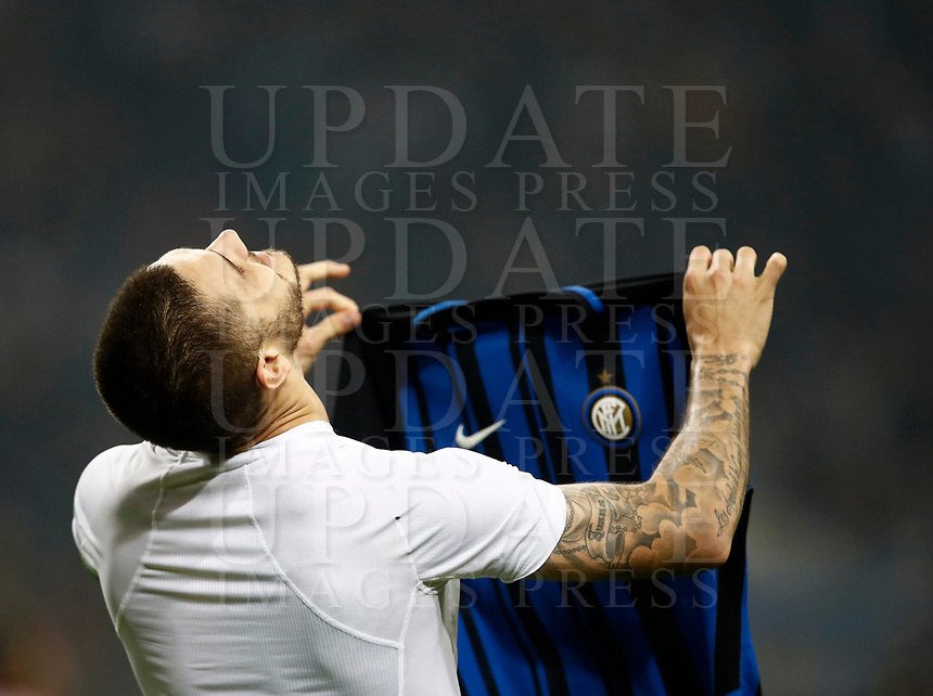 Calcio, Serie A: Milano, stadio Giuseppe Meazza, 15 ottobre 2017.<br /> Inter's Mauro Icardi captain celebrates after scoring his third goal during the Italian Serie A football match between Inter and Milan at Giuseppe Meazza (San Siro) stadium, October15, 2017.<br /> UPDATE IMAGES PRESS/Isabella Bonotto