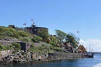 Store Tårn (runder Turm) auf Christians, Ertholmene (Erbseninseln) bei Bornholm, Dänemark, Europa<br /> Store Tårn on Christians, Ertholmene, Isle of Bornholm Denmark