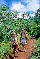 Couple on a day-hike along the Kalalau Trail