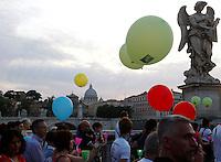 Marcia in occasione del 30esimo anniversario della scomparsa di Emanuela Orlandi, da piazza Sant'Apollinare, Roma, dove la ragazza fu vista per l'ultima volta, a Piazza San Pietro, Citta' del Vaticano, 22 giugno 2013.<br /> Partecipants attend a march to mark the 30th anniversary of the disappearance of Emanuela Orlandi, from piazza Sant'Apollinare, in Rome, where the 15-years-old girl was seen for the last time, to St. Peter's square at the Vatican, 22 June 2013.<br /> UPDATE IMAGES PRESS/Riccardo De Luca