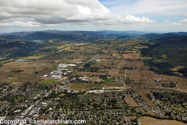 aerial photograph of Napa Valley from St. Helena to the south, Napa County, California